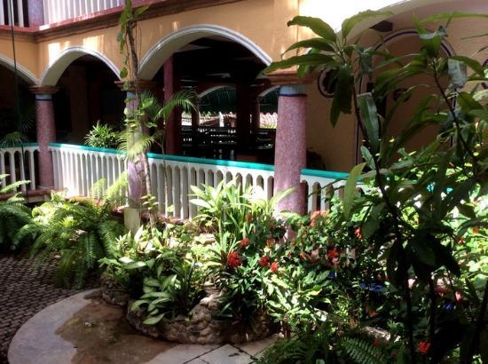 Hotel Flor de Maria: Central Patio
