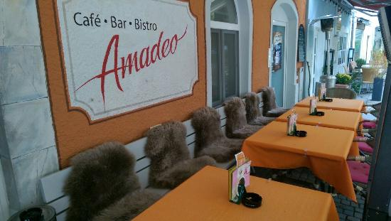 Cafe Amadeo Review