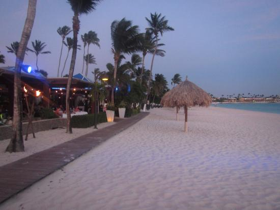 Playa y acceso a restaurant para cenar picture of divi aruba all inclusive oranjestad - Divi aruba all inclusive ...