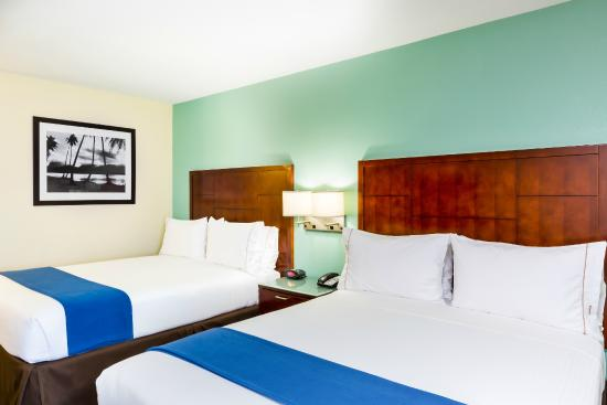 Holiday Inn Express San Diego Sea World Beach Area Desde