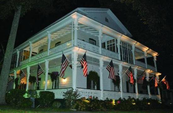 Elaine's Bed & Breakfast Inn: Fall