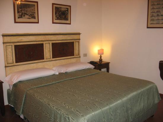 Panella's Residence: Room 44 bedroom