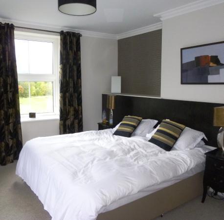LakeSide House: Room 8 premier double, dual aspect, 2nd floor