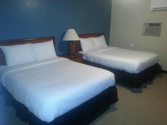 Stafford, KS: Double Bed