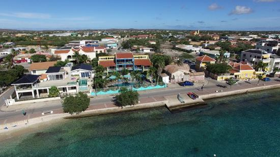 Bonaire Oceanfront Apartments: Oceanfront Apartments - Ocean side