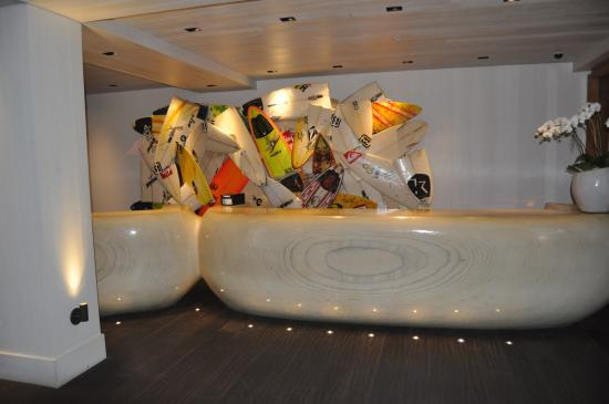 The Modern Honolulu: Le Magnifique Lobby