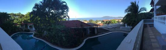 La Colina: Pool and View