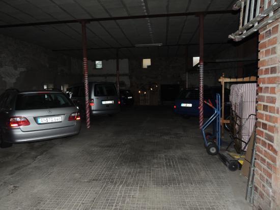 Gasthof zum Ochsen: Parking