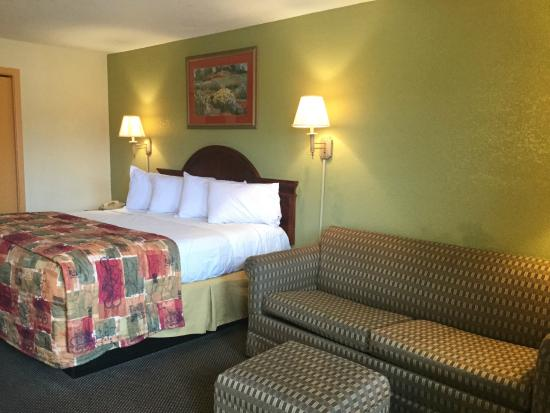 Americas Best Value Inn Forrest City: King