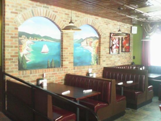 Trenton, TN: Inside Dining