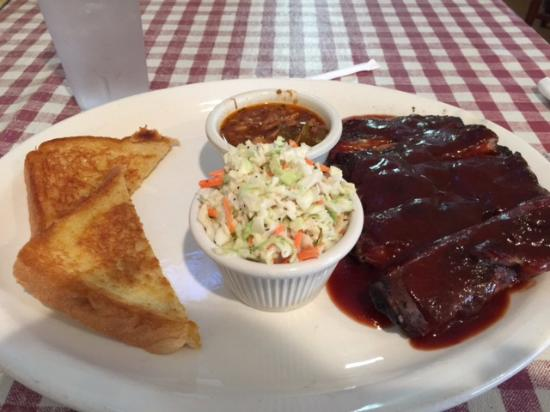 Miller Brothers Rib Shack: 1/2 rack of ribs, slaw and Brunswick stew