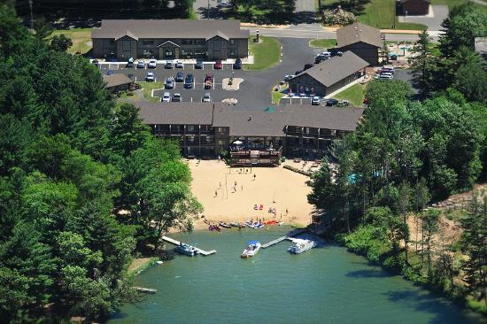 Baker's Sunset Bay Resort: view from above