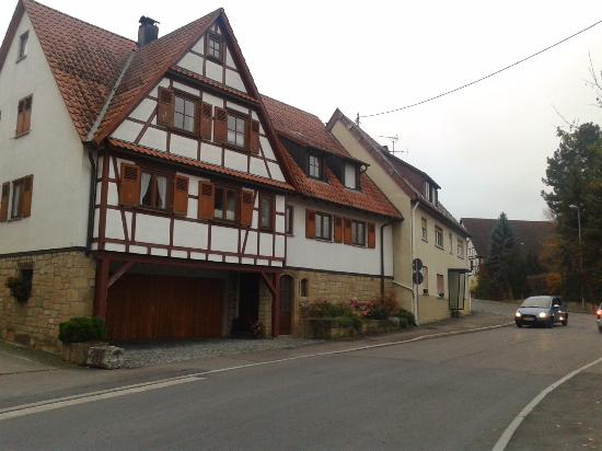 Ditzingen, Tyskland: scenic German homes