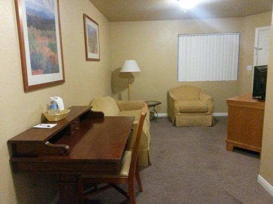 sala picture of the rita suites las vegas tripadvisor. Black Bedroom Furniture Sets. Home Design Ideas