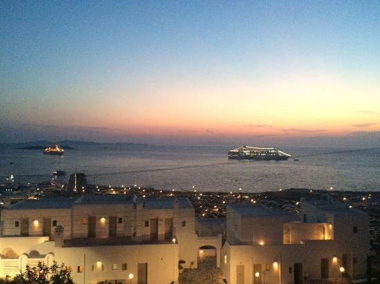 Mykonos View Hotel: sunset and ocean view from my balcony