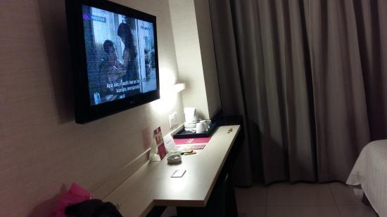 Hotelkamer picture of favehotel tanah abang cideng jakarta tripadvisor for Hotelkamer