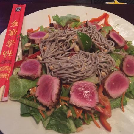 Wausau, WI: Tuna sesame salad