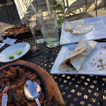 แลมเบิร์ตวิลล์, นิวเจอร์ซีย์: Delicious Fajitas and refreshing water