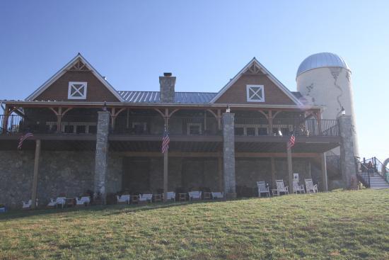 Lovettsville, Вирджиния: Grand winery at Creek's Edge