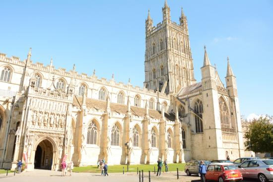 กลอสเตอร์, UK: Exterior view of Gloucester Cathedral