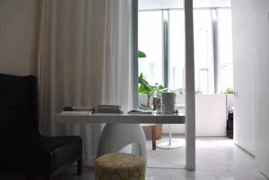 Condesa DF: Balcón sobre el patio en la habitación