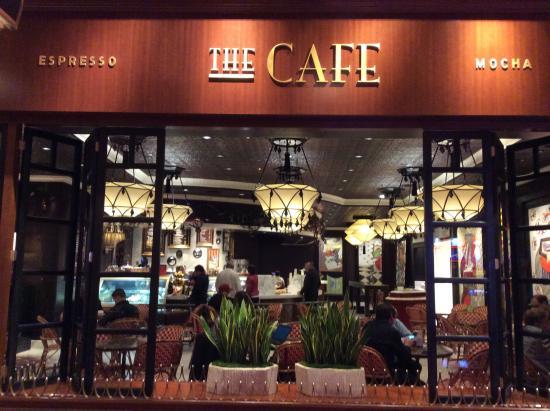 The Cafe: 外観