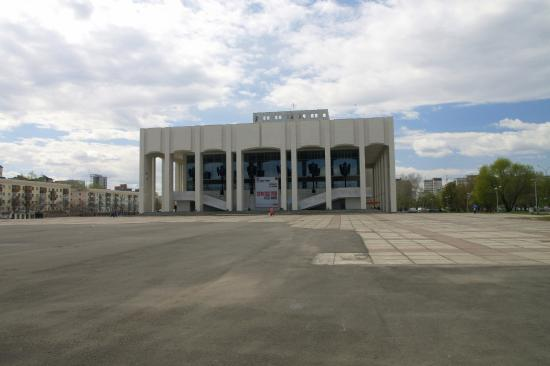 Stsena-Molot Theater: Театр