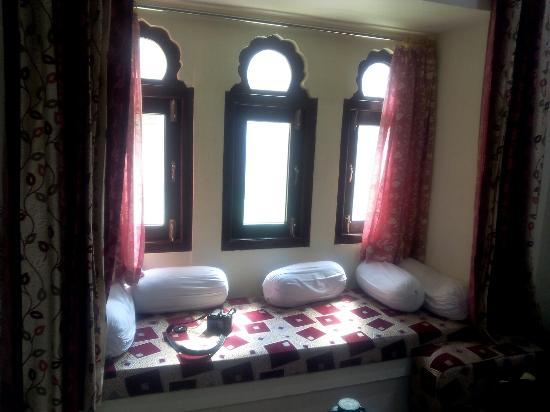 Hotel Neeraj: IMG_20151102_112748_large.jpg
