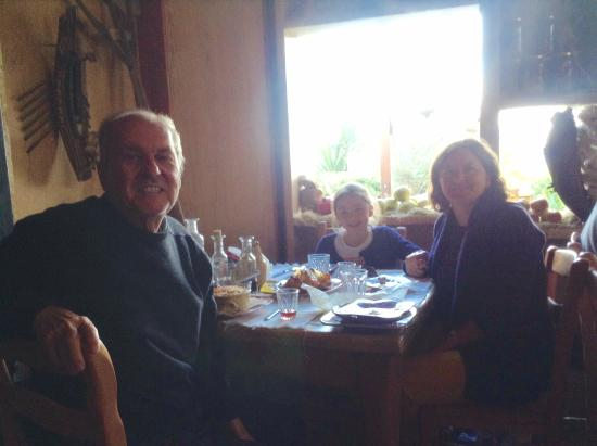 Kaliviani, Grecia: lovely meal. Gramboussa Restaurant, Crete.