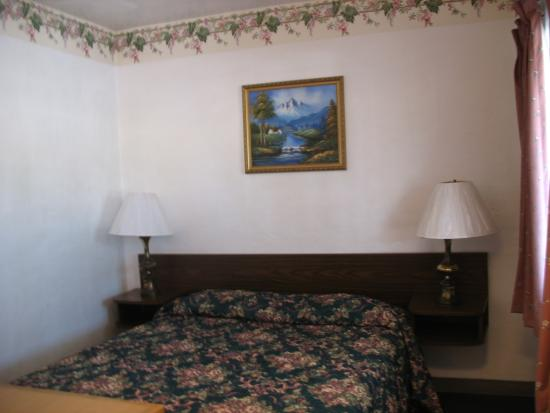 Roseburg, OR: Two Queen Beds Unit
