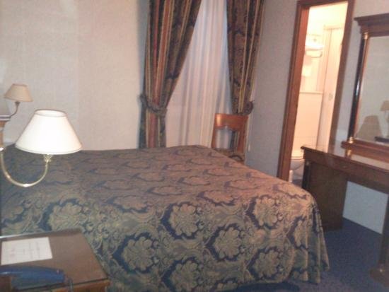 Hotel Silva: camera matrimoniale
