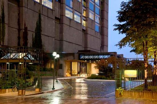 Hotel Bonaventure Montreal: Exterior