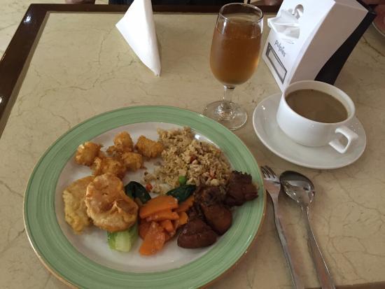 de Rivier Hotel: Breakfast
