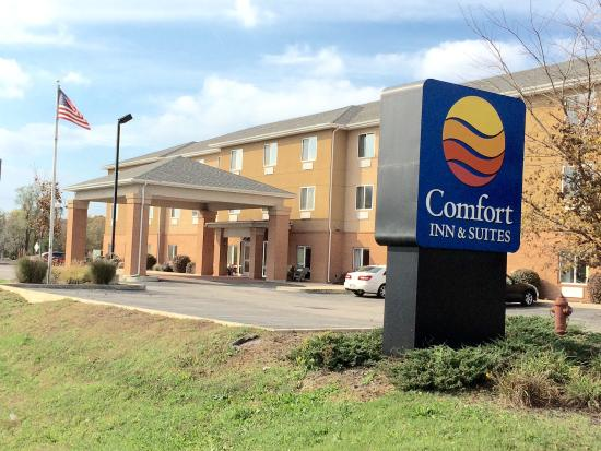 Comfort Inn & Suites: Welcome to the Comfort Inn Porter. Indiana