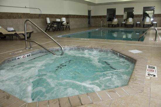 Comfort Inn & Suites: Hot Tub Pool