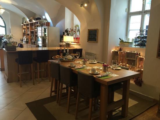 A Lovely Start To A Holiday Review Of Wine Bar Vinoteka U Mourenina