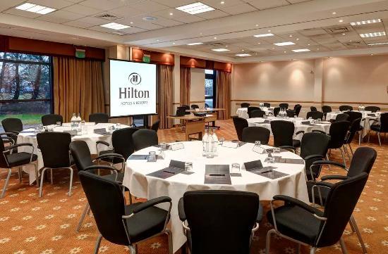 Hilton Edinburgh Airport: Dakota Room