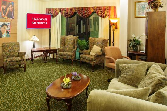 Red Roof Inn Kingsland: Lobby Sitting Area