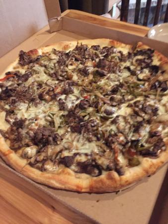 Brenda's Pizzeria : Bronx Belly Buster Pizza