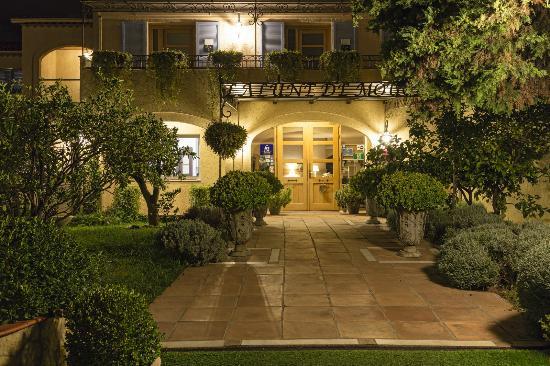 The 10 best restaurants near hotel lune de mougins - Hotel de mougins restaurant le jardin ...