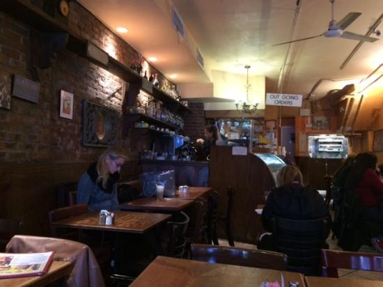 Picture of soho le petite cafe new york city for Petit restaurant