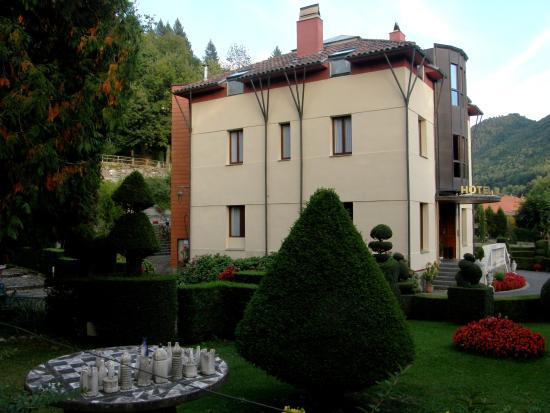 Hotel Maristany : veduta dal giardino