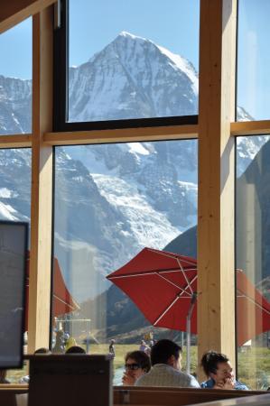 Grindelwald, Zwitserland: メンリッヒェンバーンを降りたところの駅