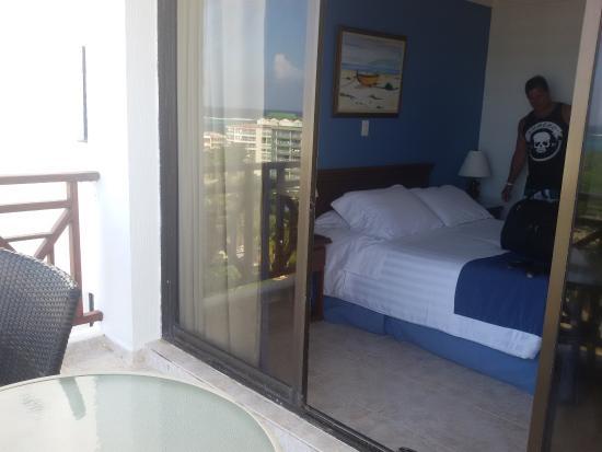 Hotel Arena Blanca: quartos com sacada