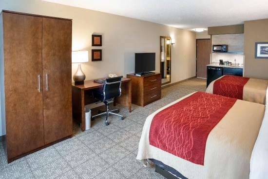 Comfort Inn West: Guest room