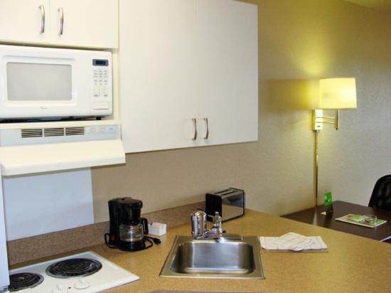 Extended Stay America - Somerset - Franklin: Fully-Equipped Kitchens