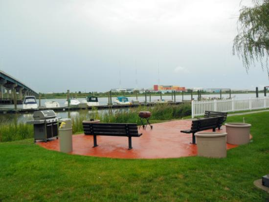 Extended Stay America - Secaucus - Meadowlands: Picnic Area