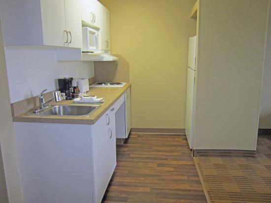Extended Stay America - Rochester - Henrietta: Fully-Equipped Kitchens