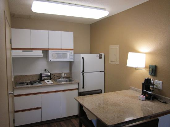 Extended Stay America - Orange County - Brea: Fully-Equipped Kitchens