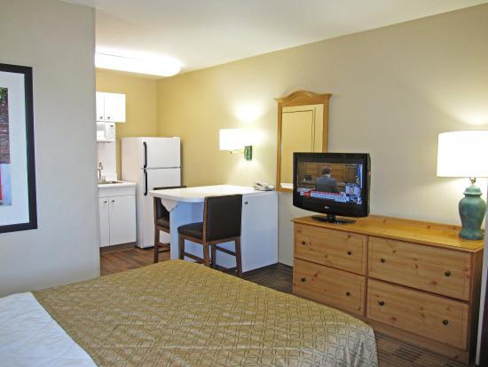 San Mateo, CA: Studio Suite - 1 Queen Bed